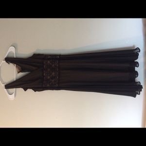 Connected Apparel, Black & Cream Dress. Size 6.